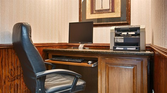 Best Western Lindale Inn: Business Center