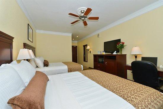 Best Western Lone Star Inn: Two Queen Guest Room