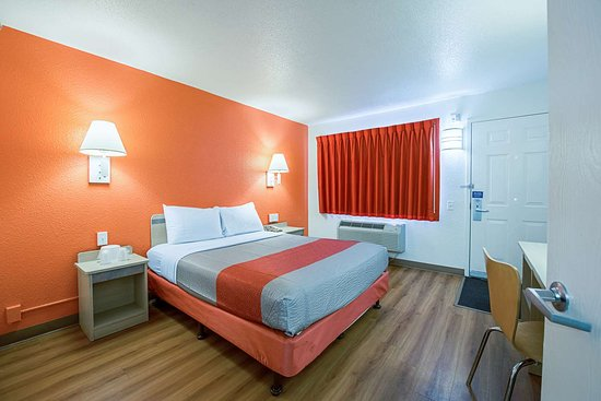 Motel 6 Hammond: single
