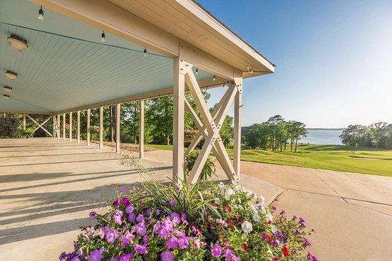 Many, LA: Cypress Bend Resort Pavillion