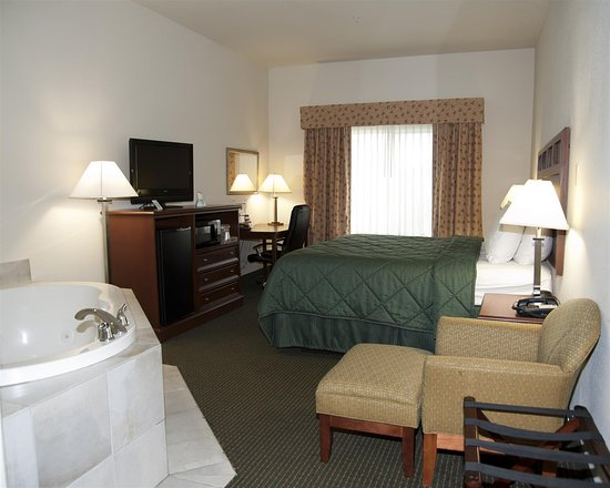 Best Western Comanche Inn: King Guest Room with Jacuzzi®