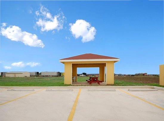 Hondo, Техас: BBQ Area
