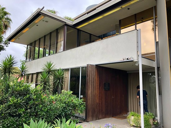 Neutra VDL House: Front of the house