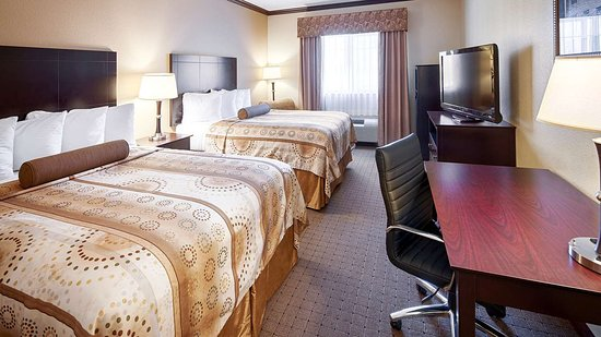 Best Western Plus Royal Mountain Inn & Suites: Two Queen Guest Room