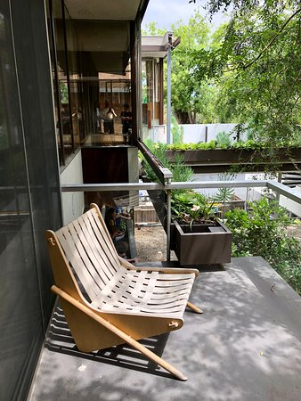 Neutra VDL House: Backyard patio