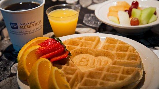 Best Western Plus Concordville Hotel: Breakfast