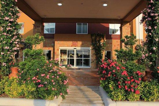 Best Western Plus Blanco Luxury Inn & Suites