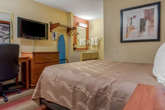 Quality Inn Columbus - East: Guest room with one bed