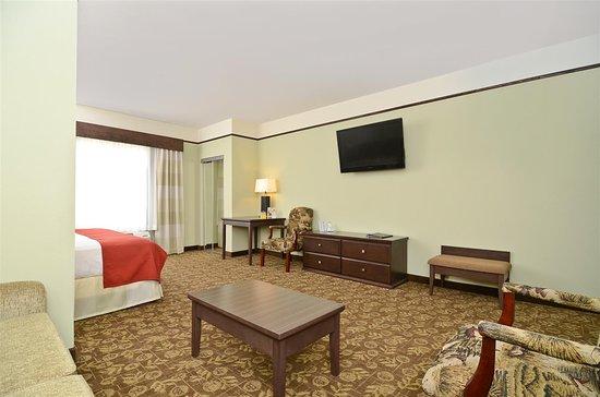 Best Western Plus Emory at Lake Fork Inn & Suites: Guest Room