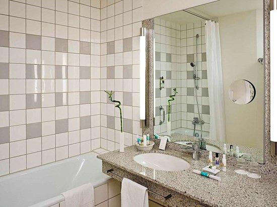 Mercure hotel offenburg am messeplatz allemagne voir for Piscine offenburg