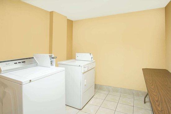 Clinton, ساوث كارولينا: Laundry