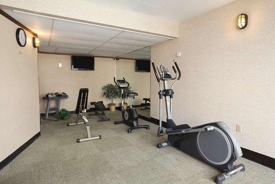 Days Inn by Wyndham Coeur d'Alene: Health club