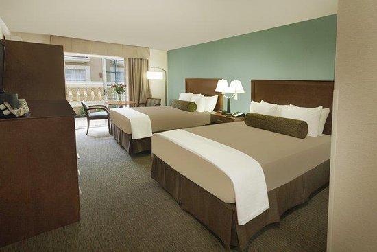 Schertz, TX: Two Queen Guest Room