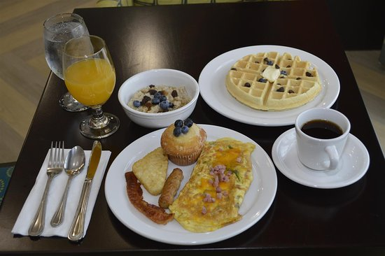Best Western Premier Ashton Suites-Willowbrook: Breakfast Area
