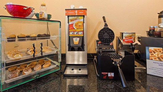 Best Western Central City: Breakfast Room
