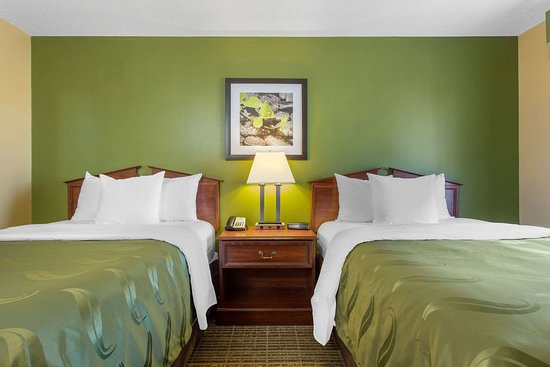 Quality Inn Laurinburg: Guest room with double bed(s)