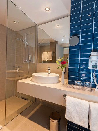 Unterfohring, Germany: Guest Bathroom