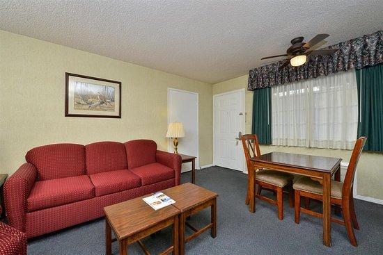 Americas Best Value Inn & Suites - Lancaster: In Room Amenities
