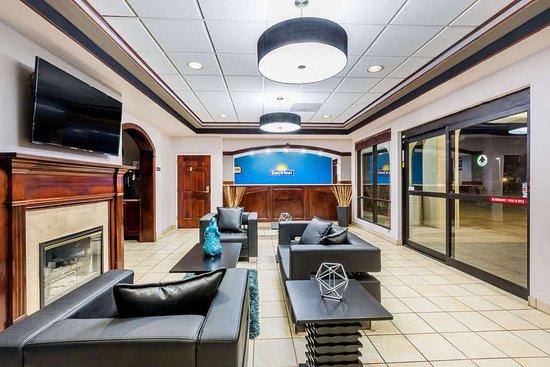 Days Inn by Wyndham Pearl/Jackson Airport: Lobby