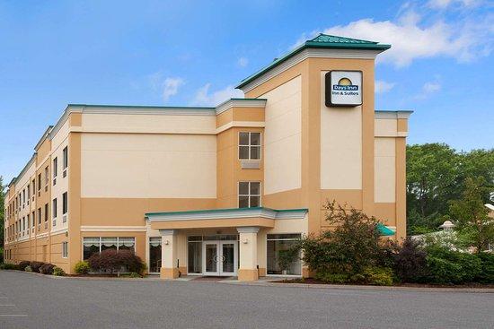 Days Inn  U0026 Suites By Wyndham Albany  59    U03367 U03366 U0336