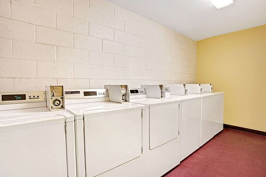Eloy, AZ: Guest Laundry