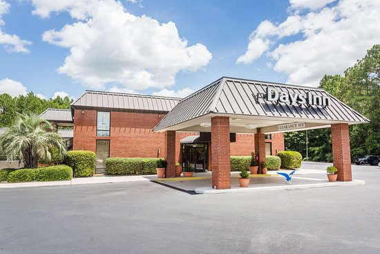 Days Inn by Wyndham Statesboro