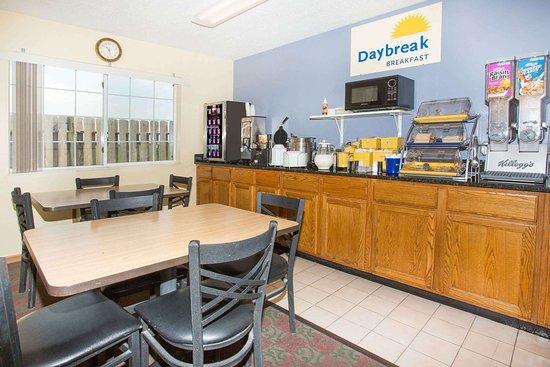 Days Inn by Wyndham Lexington NE: Property amenity
