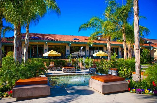 DoubleTree by Hilton Hotel Ontario Airport: Outdoor Dining