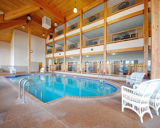 Norfolk Lodge & Suites Ascend Collection: Indoor pool with hot tub