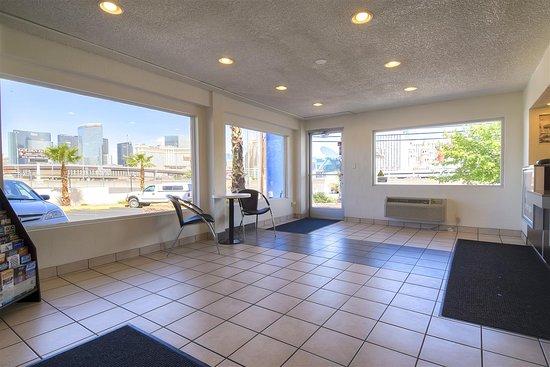 Motel 6 Las Vegas - I- 15: Lobby
