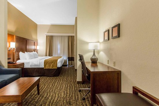 Comfort Suites The Villages: King suite