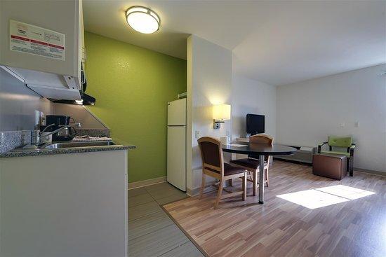 Studio 6 Toronto - Mississauga: Guest Room
