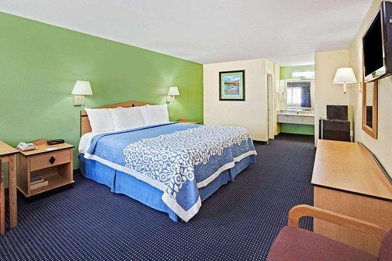 Days Inn by Wyndham Baytown TX: 1 Queen Bed Room