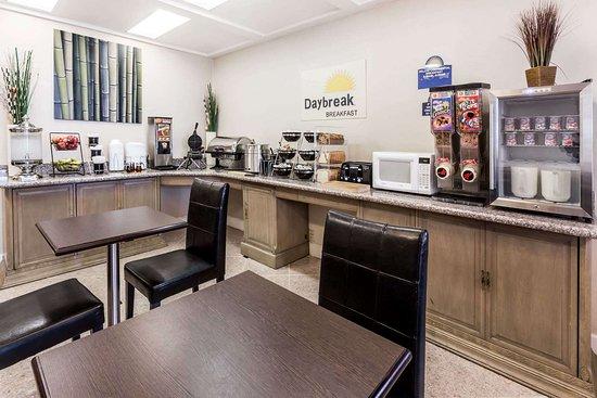 Days Inn by Wyndham Davis Near UC Davis: Breakfast Area