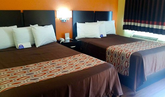 Groves, TX: Two Double Bed Suite