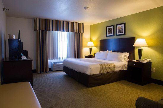 Celina, OH: Oversized King Suite