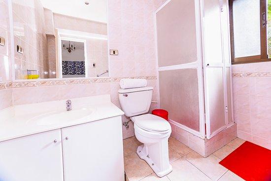 La Casona Hostel: Baño habitación privada