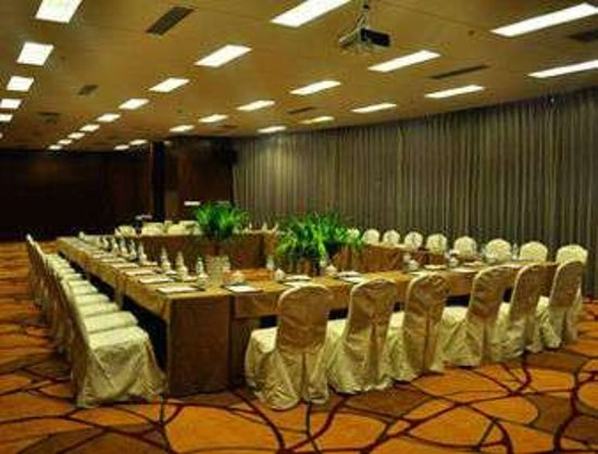 Siping, China: Meeting Room