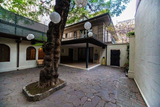 La Casona Hostel: Patio Jacarandá