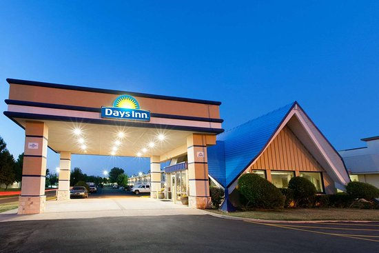 Days Inn by Wyndham Norman