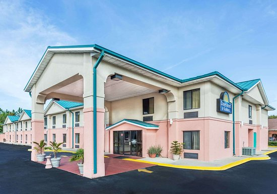 Days Inn by Wyndham Panama City/Callaway