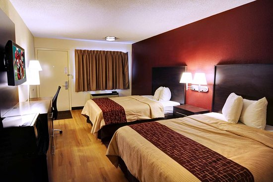 Red Roof Inn Flint - Bishop Airport: Deluxe 2 Full Beds