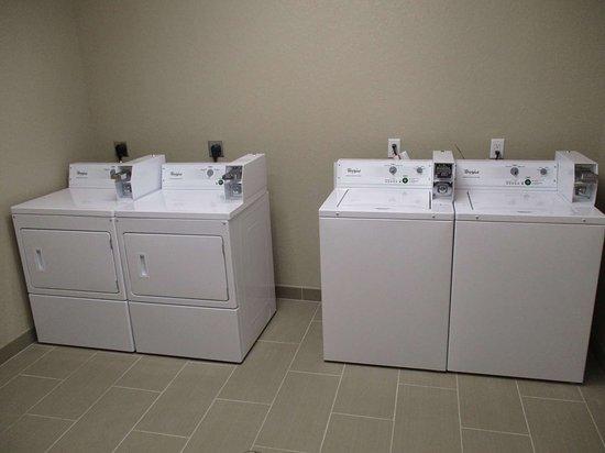 Best Western Plus Galveston Suites: Laundromat