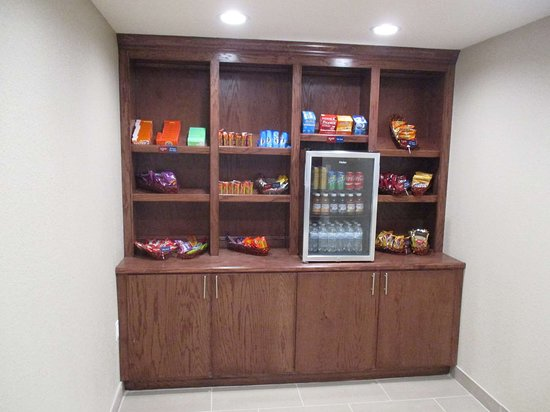 Best Western Plus Galveston Suites: Snack Shop