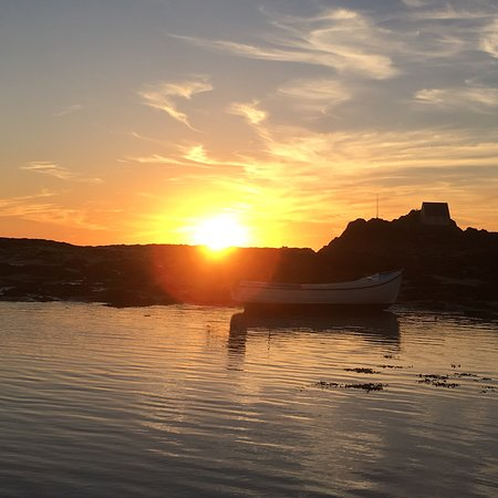Jersey RIB Adventures: Fantastic night last night at Les Ecrehous. So peaceful.... Just sunning. Thank you Robyn. Excel