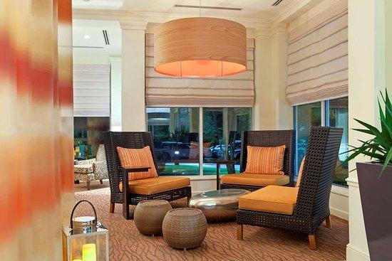 Hilton Garden Inn Gilroy: Lobby