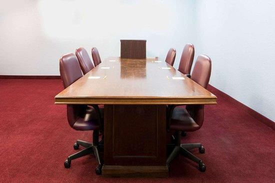 Days Inn by Wyndham Eastland: Meeting Room