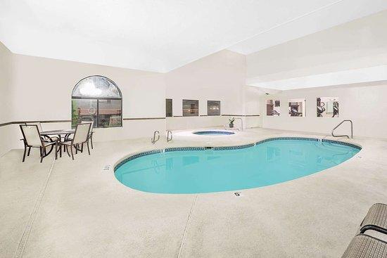 Days Inn by Wyndham Lamar: Pool