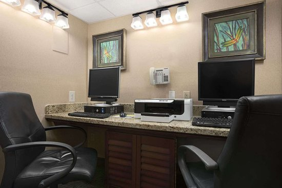 Days Inn by Wyndham Las Cruces: Business Center