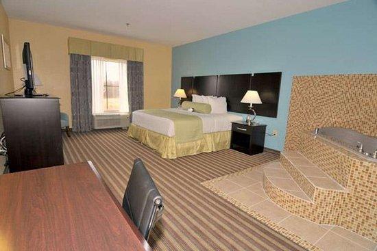 Horn Lake, MS: King Spa Room
